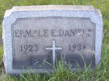 DANIELS, ERMALE E. - Columbiana County, Ohio | ERMALE E. DANIELS - Ohio Gravestone Photos