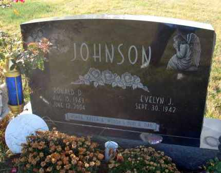 JOHNSON, RONALD D. - Fairfield County, Ohio | RONALD D. JOHNSON - Ohio Gravestone Photos