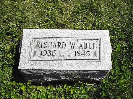 AULT, RICHARD  W - Greene County, Ohio | RICHARD  W AULT - Ohio Gravestone Photos