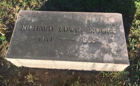 MOORE, RICHARD EDWIN - Lake County, Ohio | RICHARD EDWIN MOORE - Ohio Gravestone Photos