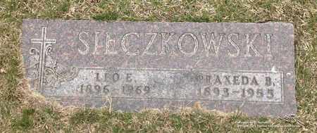 SIECZKOWSKI, LEO E. - Lucas County, Ohio | LEO E. SIECZKOWSKI - Ohio Gravestone Photos