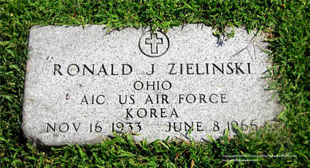 ZIELINSKI, RONALD J. - Lucas County, Ohio | RONALD J. ZIELINSKI - Ohio Gravestone Photos