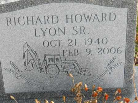 LYON SR, RICHARD HOWARD - Morrow County, Ohio | RICHARD HOWARD LYON SR - Ohio Gravestone Photos