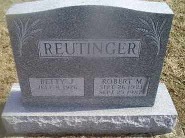 REUTINGER, ROBERT M - Ross County, Ohio | ROBERT M REUTINGER - Ohio Gravestone Photos