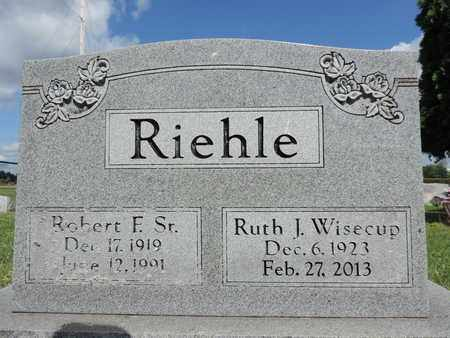 RIEHLE, ROBERT F. SR. - Ross County, Ohio | ROBERT F. SR. RIEHLE - Ohio Gravestone Photos
