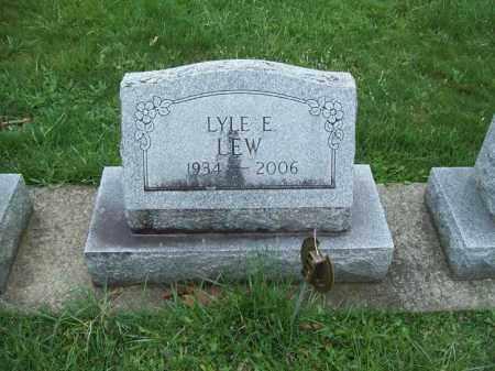 LEW, LYLE E. - Trumbull County, Ohio | LYLE E. LEW - Ohio Gravestone Photos
