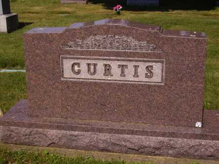 CURTIS FAMILY, MONUMENT - Tuscarawas County, Ohio | MONUMENT CURTIS FAMILY - Ohio Gravestone Photos