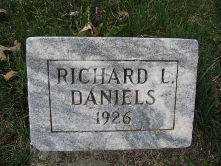 DANIELS, RICHARD L. - Union County, Ohio | RICHARD L. DANIELS - Ohio Gravestone Photos